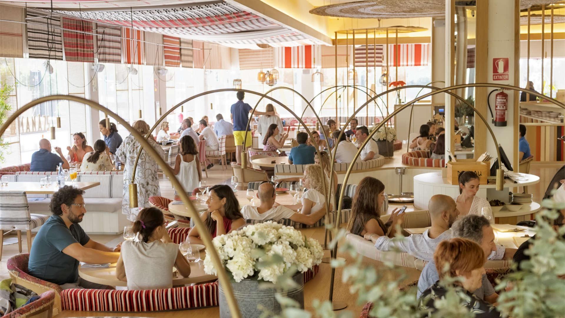 Interior del restaurante de Paella en Barcelona - Mana 75
