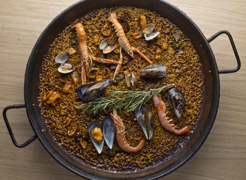 Seafood-paella-barceloneta-mana-75